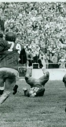 1949 – Pat Knight Hits Notre Dame QB In End Zone