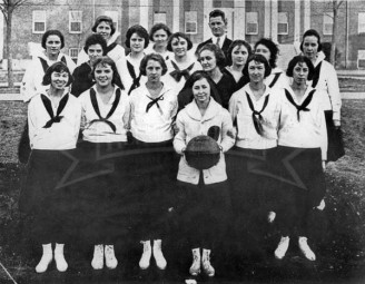 1921 Women's Basketball Team